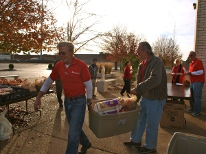 Mobile Food Pantry volunteers John McNary and Pat Minderman